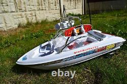 Grand Yacht Malibu Radio Remote Control Racing Speed Boat 130 Motor 1/32 Échelle
