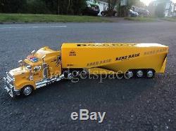 Jaune Américain Grand Camion Poids Lourd 49cm Longue Télécommande De Voiture New Boxed