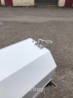 Porte De Garage Isolée À Commande À Distance À Glissière Blanche D'occasion