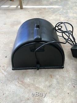 Sybian Machine Sans Fixation All Black Tourne Et Vibre Trouvé Dans Storag